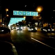 Weihnachtliche Straße in Barcelona