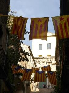 Katalanische Unabhängigkeits-Flaggen in Girona