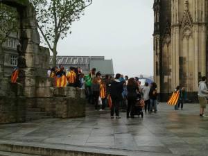 Auch in Köln versammeln sich einige Katalanen zur Via Catalana. Foto: A.-L. Weber